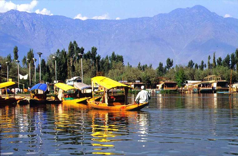 Golden Triangle Tour with Kashmir Valley