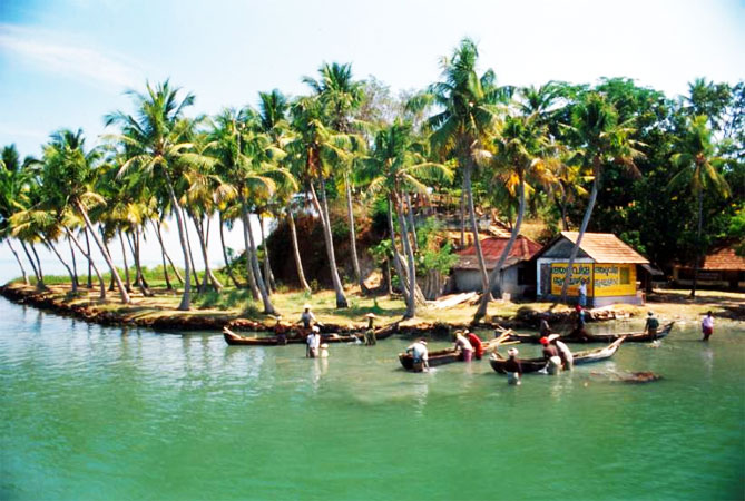 Holidays in the Beaches & Backwaters of Kerala